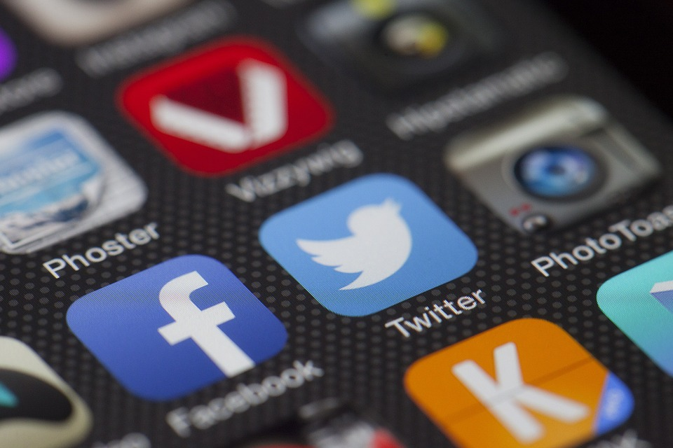 B2B and B2C Social Media Marketing