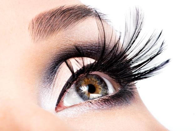 Grow Long and Thick Eyelashes using Careprost lash Serum