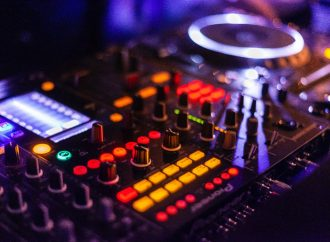 6 Top Tips to Hire AV Equipment for Any Occasion
